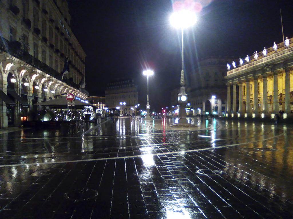 bordeaux, nuit, pluie, grand theatre, photo armand neble, AN-GRAFIK © 2017