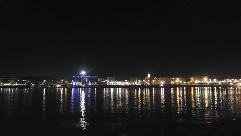 bordeaux, quais, rive droite, nuit, lumières, reflets, photo armand neble, AN-GRAFIK © 2017